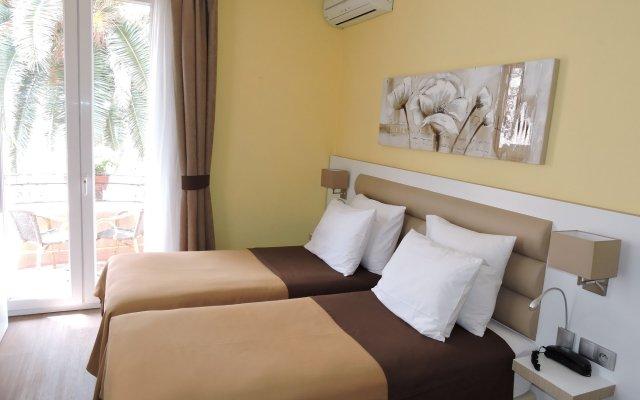 Hotel Regina Cannes 2