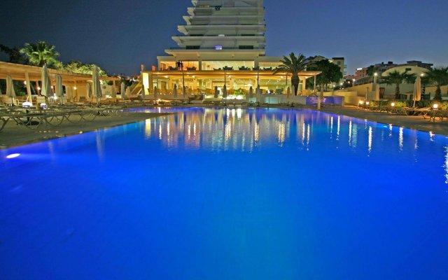 Отель Vrissiana Beach Hotel Кипр, Протарас - 1 отзыв об отеле, цены и фото номеров - забронировать отель Vrissiana Beach Hotel онлайн вид на фасад