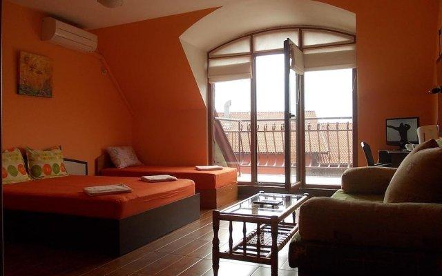 Отель Fotiadis Hotel Rooms & Studios Болгария, Велико Тырново - отзывы, цены и фото номеров - забронировать отель Fotiadis Hotel Rooms & Studios онлайн комната для гостей