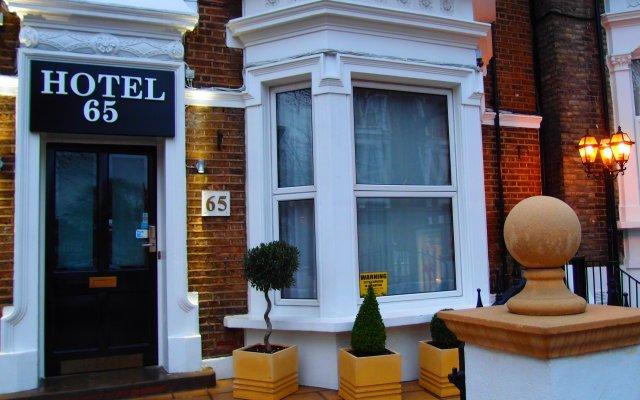 Hotel 65 вид на фасад