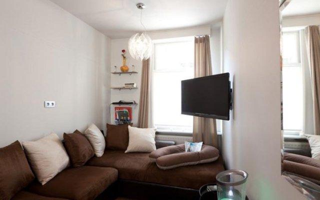 Отель Holidayhome Bruges @ Home комната для гостей