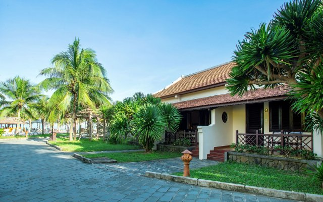 Отель Agribank Hoi An Beach Resort вид на фасад