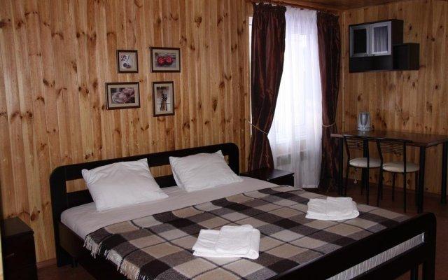 Гостиница База Отдыха Лесная на Самаре Украина, Писчанка - отзывы, цены и фото номеров - забронировать гостиницу База Отдыха Лесная на Самаре онлайн комната для гостей