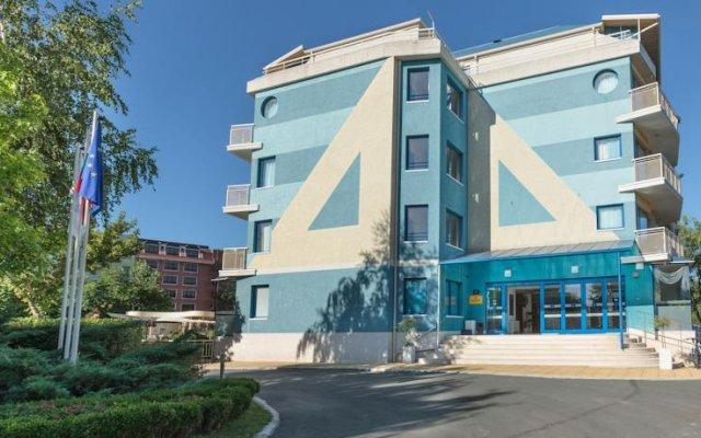Aquamarine Hotel вид на фасад