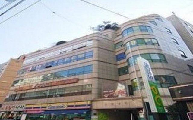 Отель Seocho Hill Livingtel вид на фасад