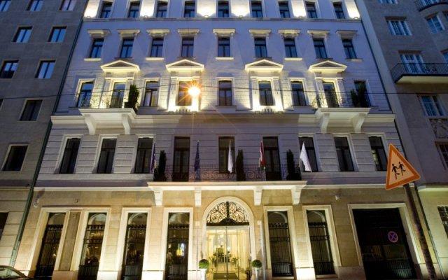 Отель Alta Moda Fashion Hotel Венгрия, Будапешт - отзывы, цены и фото номеров - забронировать отель Alta Moda Fashion Hotel онлайн вид на фасад