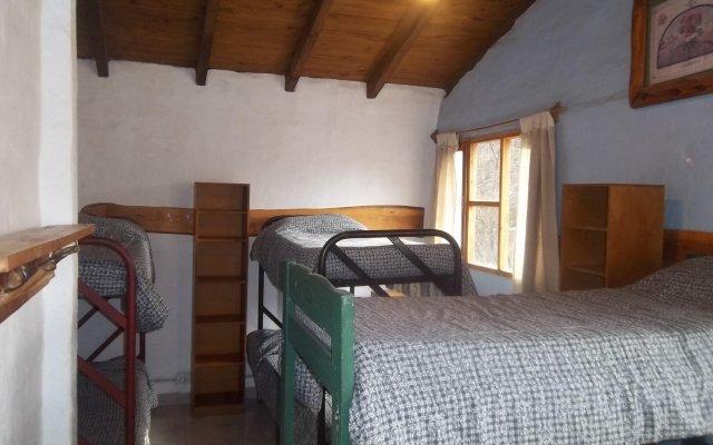 Hostel y Camping Los Coihues 2
