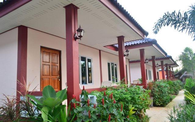 Отель Selamat Lanta Resort вид на фасад