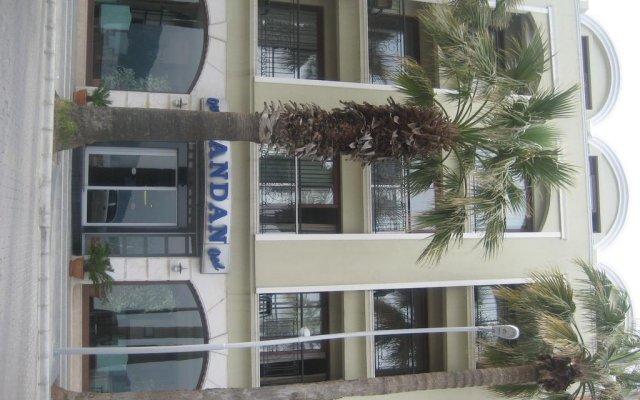 Candan Beach Hotel Мармарис вид на фасад