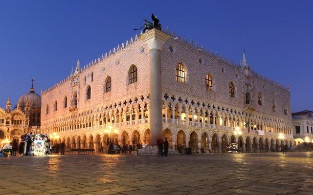 Отель Alloggi Santa Sofia Италия, Венеция - отзывы, цены и фото номеров - забронировать отель Alloggi Santa Sofia онлайн вид на фасад