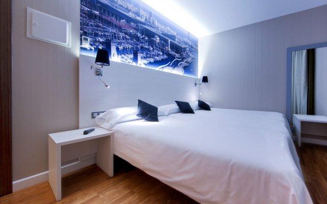 Отель Hostal Bcn Ramblas комната для гостей