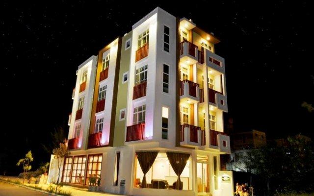 Отель Airport Comfort Inn Maldives Мале вид на фасад