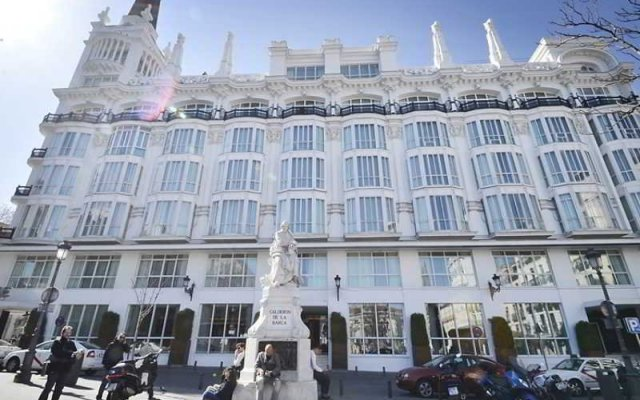 Отель Vintage Santa Ana 6 Dormitorios вид на фасад