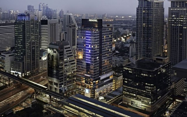 Отель Novotel Bangkok Ploenchit Sukhumvit вид на фасад