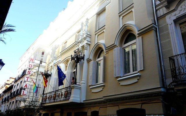 Отель Hostal Pizarro Испания, Мадрид - отзывы, цены и фото номеров - забронировать отель Hostal Pizarro онлайн вид на фасад
