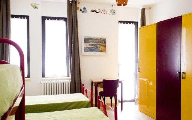Отель La Sosta Solidale Италия, Милан - отзывы, цены и фото номеров - забронировать отель La Sosta Solidale онлайн комната для гостей