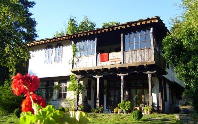 Отель Stefanina Guesthouse Боженци вид на фасад