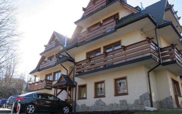 Отель Tatrytop Apartamenty Pod Skocznia вид на фасад