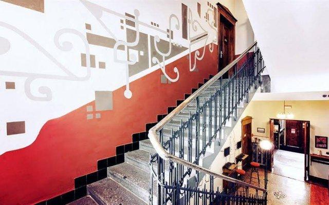 Отель Sir Tobys Hostel Чехия, Прага - 1 отзыв об отеле, цены и фото номеров - забронировать отель Sir Tobys Hostel онлайн вид на фасад