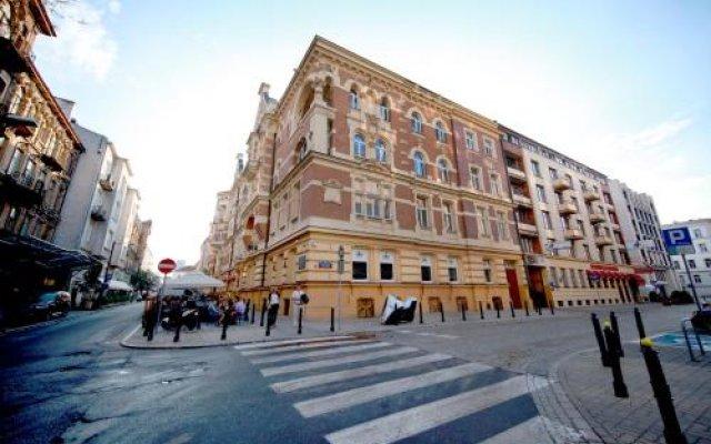 Отель eMKa Hostel Польша, Варшава - отзывы, цены и фото номеров - забронировать отель eMKa Hostel онлайн вид на фасад