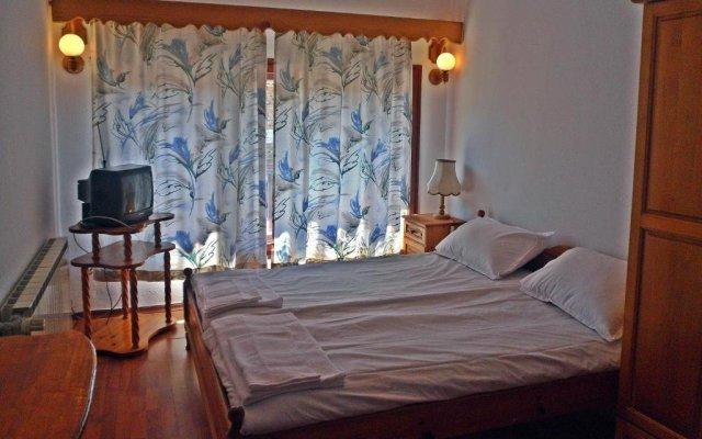 Отель Phoenix Family Hotel Болгария, Чепеларе - отзывы, цены и фото номеров - забронировать отель Phoenix Family Hotel онлайн комната для гостей