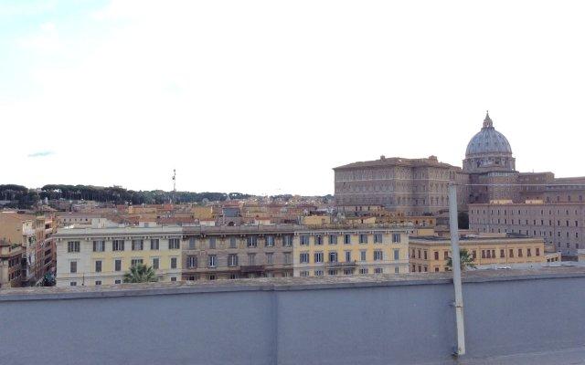 Отель Chez Alice Vatican вид на фасад