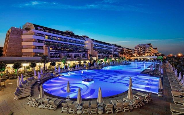 Отель Crystal Waterworld Resort And Spa Богазкент вид на фасад