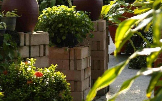 Отель Safari Beach Hotel Таиланд, Пхукет - 1 отзыв об отеле, цены и фото номеров - забронировать отель Safari Beach Hotel онлайн вид на фасад