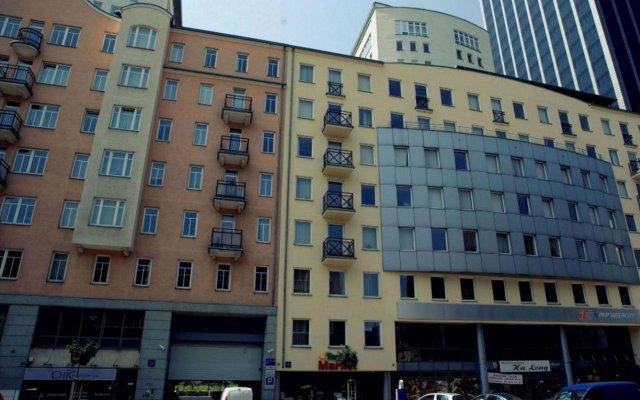 Отель Platinum Apartments Польша, Варшава - 4 отзыва об отеле, цены и фото номеров - забронировать отель Platinum Apartments онлайн вид на фасад