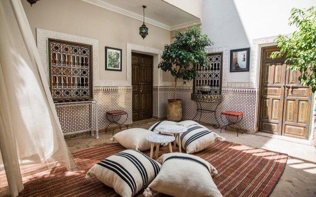 Отель Riad Villa Harmonie Марокко, Марракеш - отзывы, цены и фото номеров - забронировать отель Riad Villa Harmonie онлайн вид на фасад