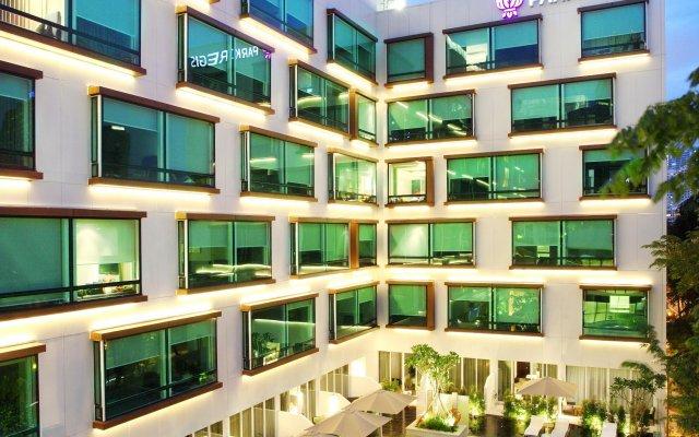 Отель Park Regis Singapore вид на фасад
