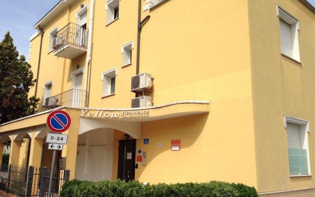 Отель Residence Yellow Римини вид на фасад