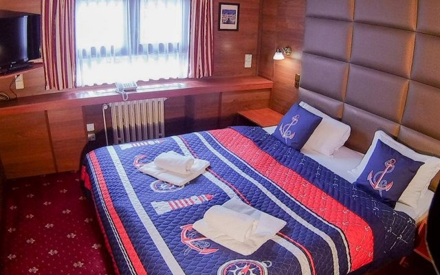 Отель Botel Albatros комната для гостей
