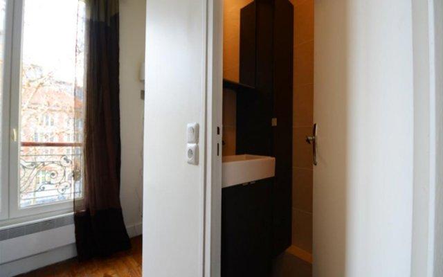 Center Pompidou Apartment