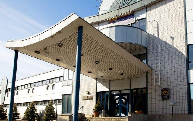 Отель Airport Hotel Pilotti Финляндия, Вантаа - - забронировать отель Airport Hotel Pilotti, цены и фото номеров вид на фасад