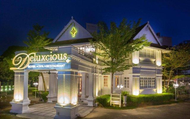 Отель Deluxcious Luxurious Heritage Hotel Малайзия, Пенанг - отзывы, цены и фото номеров - забронировать отель Deluxcious Luxurious Heritage Hotel онлайн вид на фасад