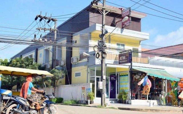 Отель Lanta Sun Smile Place Ланта вид на фасад