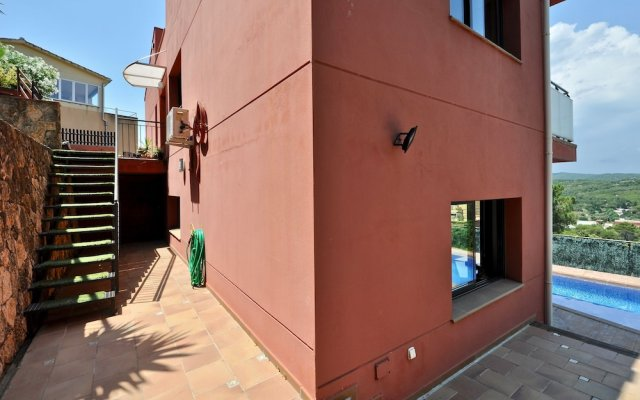 Отель Villa Carmens Lloretholiday Бланес вид на фасад