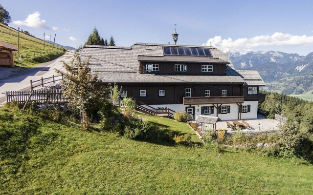 Отель Sonnenalm Mountain Lodge вид на фасад