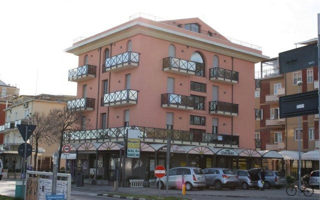 Отель Residenza Sol Holiday Италия, Римини - отзывы, цены и фото номеров - забронировать отель Residenza Sol Holiday онлайн вид на фасад