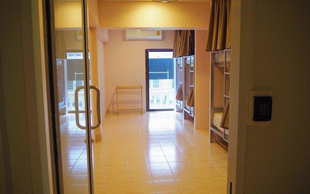 The Lucky Kata Hostel комната для гостей