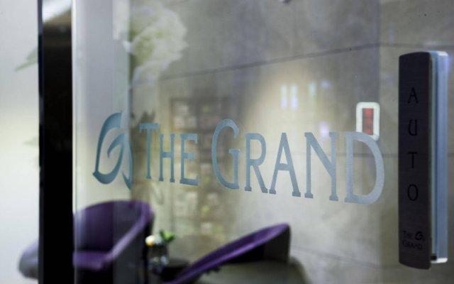 The Grand Hotel Myeongdong вид на фасад