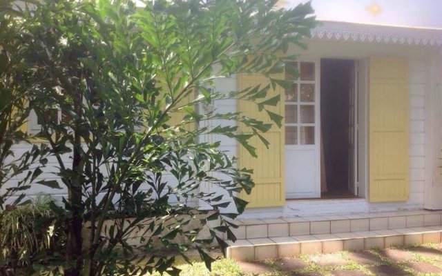 Villa With 2 Bedrooms in Étang-salé les Bains, With Private Pool, Encl