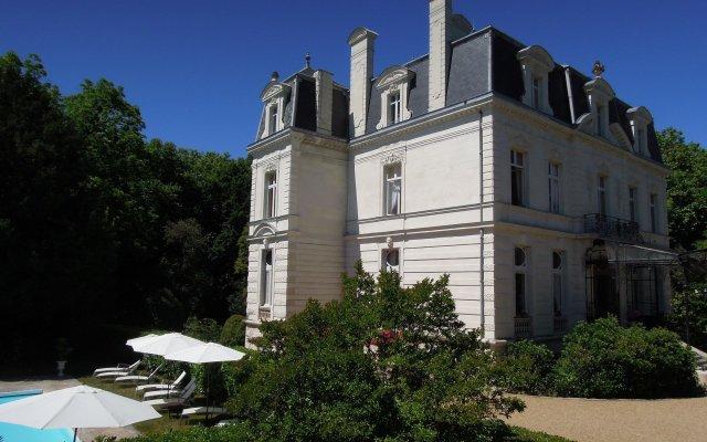 Отель Chateau De Verrieres Сомюр вид на фасад