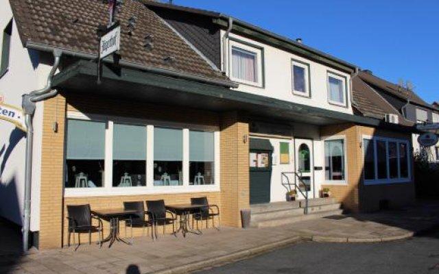 Отель Restaurant Jägerhof Германия, Брауншвейг - отзывы, цены и фото номеров - забронировать отель Restaurant Jägerhof онлайн вид на фасад