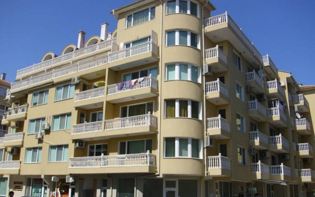 Апартаменты Apartment Bulgaria Поморие вид на фасад