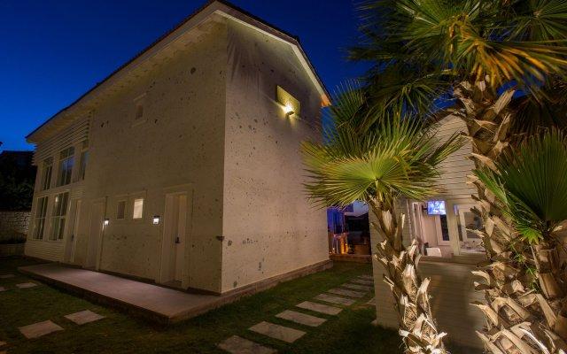 Отель Alalucca Butik Otel - Adults Only Чешме вид на фасад