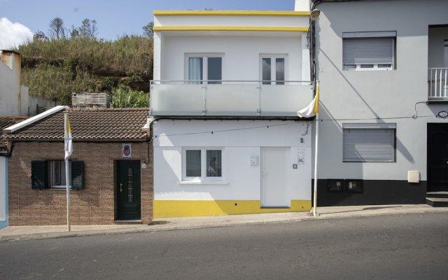 Отель Azores Villas - Beach Villa Португалия, Понта-Делгада - отзывы, цены и фото номеров - забронировать отель Azores Villas - Beach Villa онлайн вид на фасад