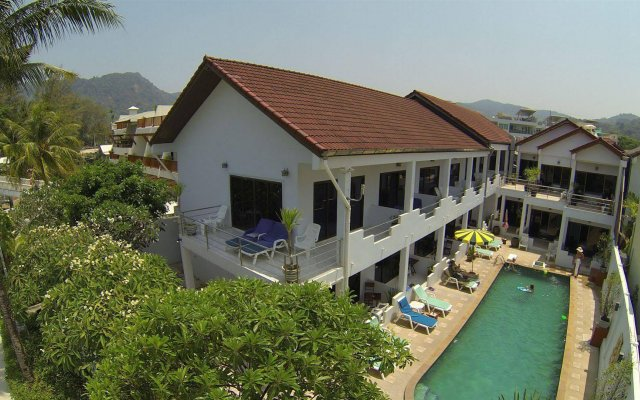 Отель Kamala Dreams вид на фасад