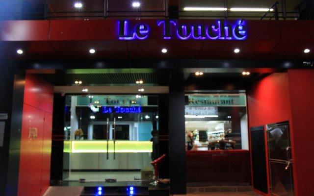 Отель Le Touche Бангкок вид на фасад